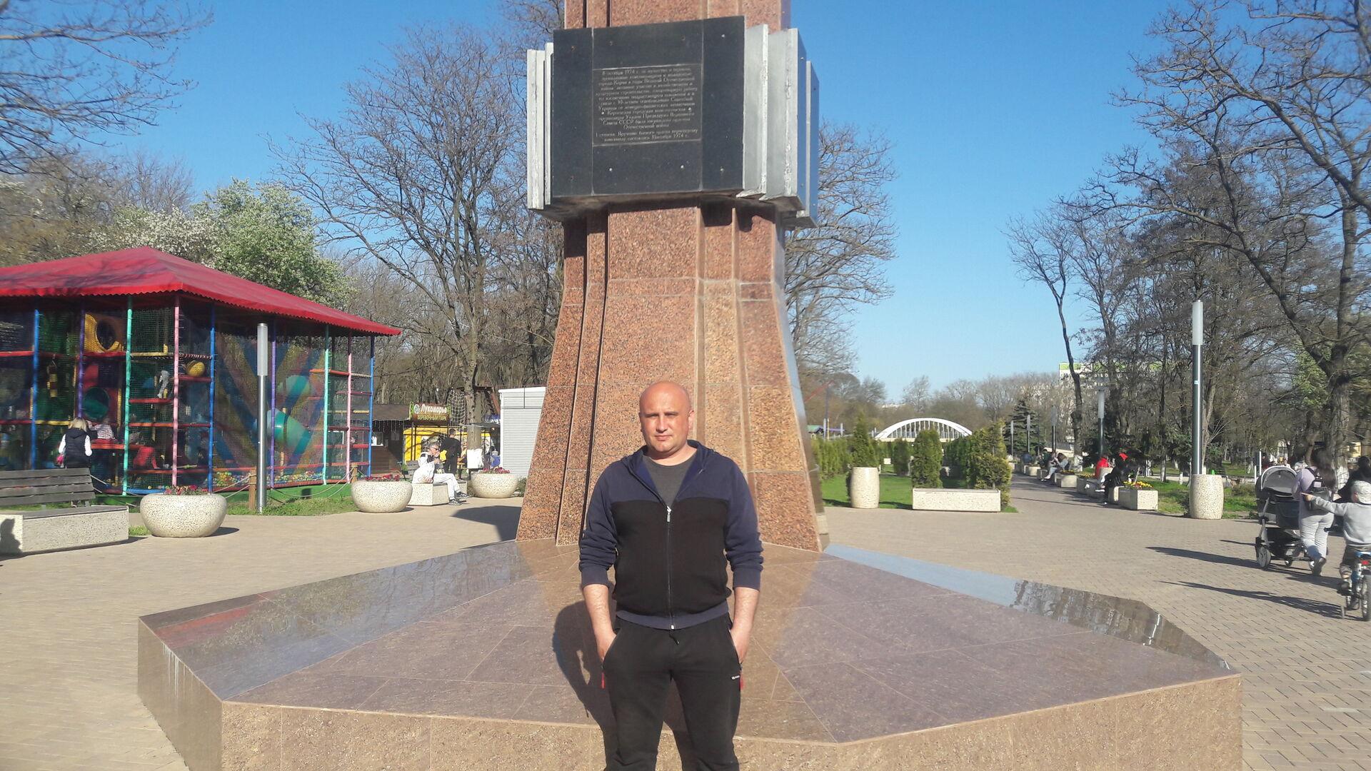 Знакомства Керчь, фото мужчины Сергей, 40 лет, познакомится для флирта, любви и романтики